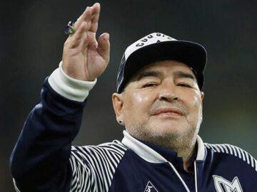Diego Armando Maradona hayatını kaybetti